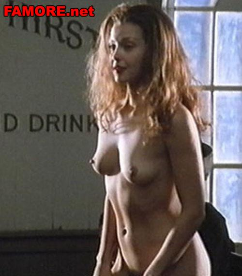 Ashley Judd naked