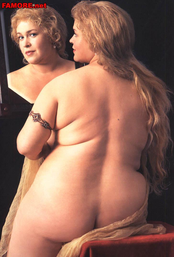 Руслана писанка грудь голая