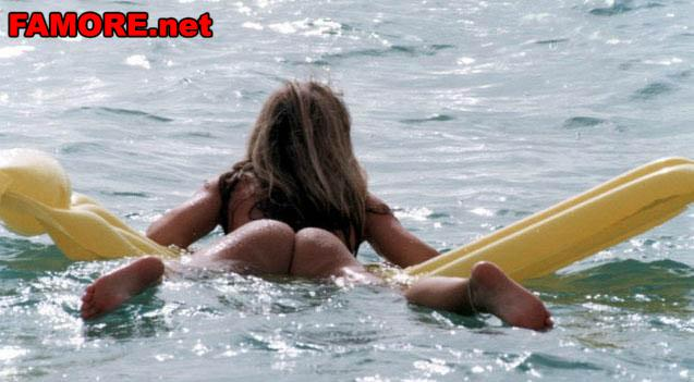 Surfer and bikini pussy