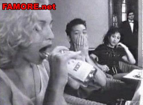 Мадонна делает минет