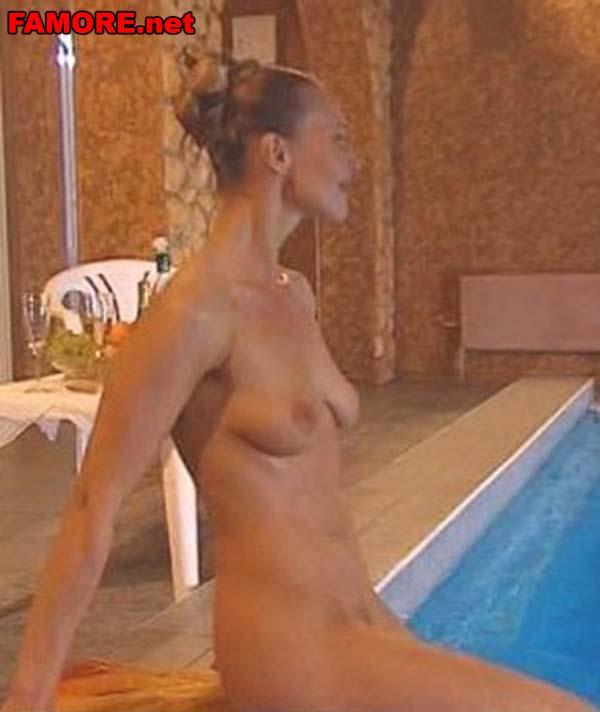 Видео с полностью голой аленой бабенко